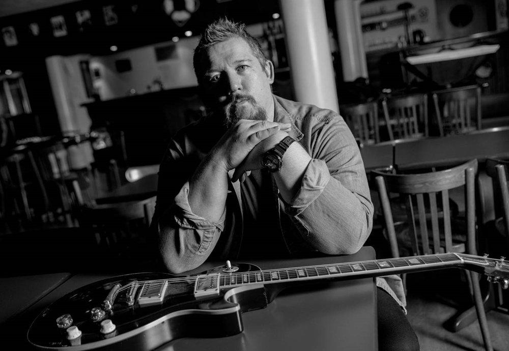 Stevie Nimmo Blues Guitarist